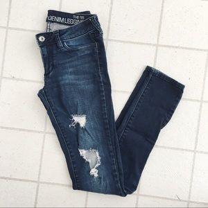 Bullhead Distressed Jeans